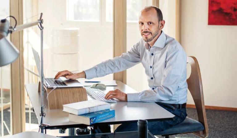 Philipp Zutt gibt Tipps, wie das Zuhause arbeiten zu einer guten Sache wird