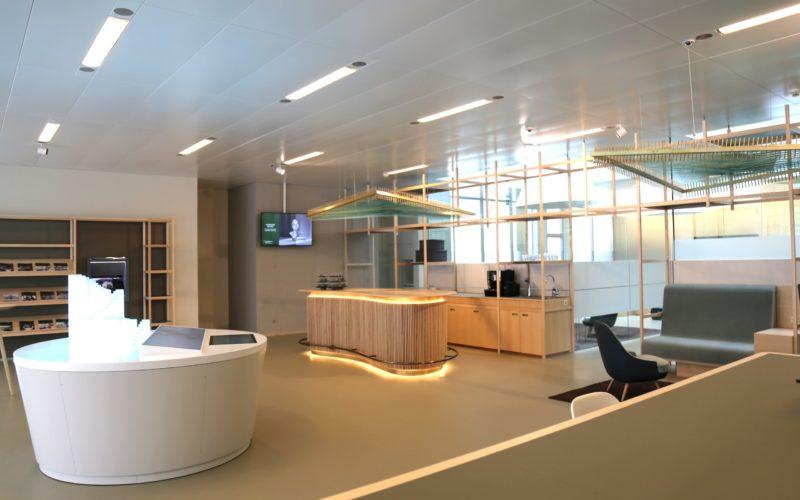 Eingangsbereich der LLB-Filiale in Eschen